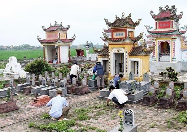 Lễ cúng và văn khấn lễ Tạ mộ vào ngày 30 Tết Đinh Dậu