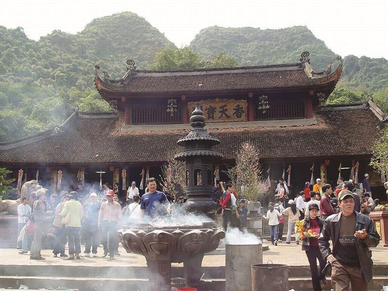 Những ngôi chùa cầu con nổi tiếng nhất Việt Nam