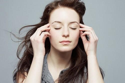 Giải mã điềm báo về nháy mắt phải, mắt phải giật liên tục là tốt hay xấu