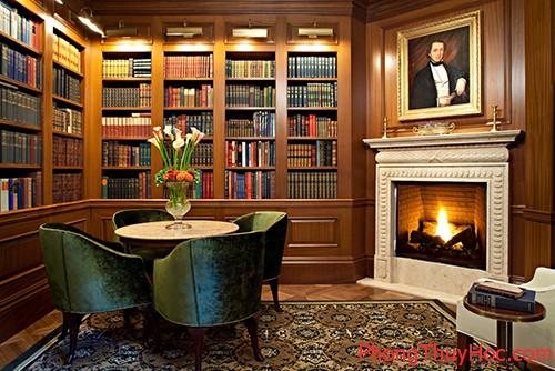Phòng đọc sách có kháo sơn vững chắc